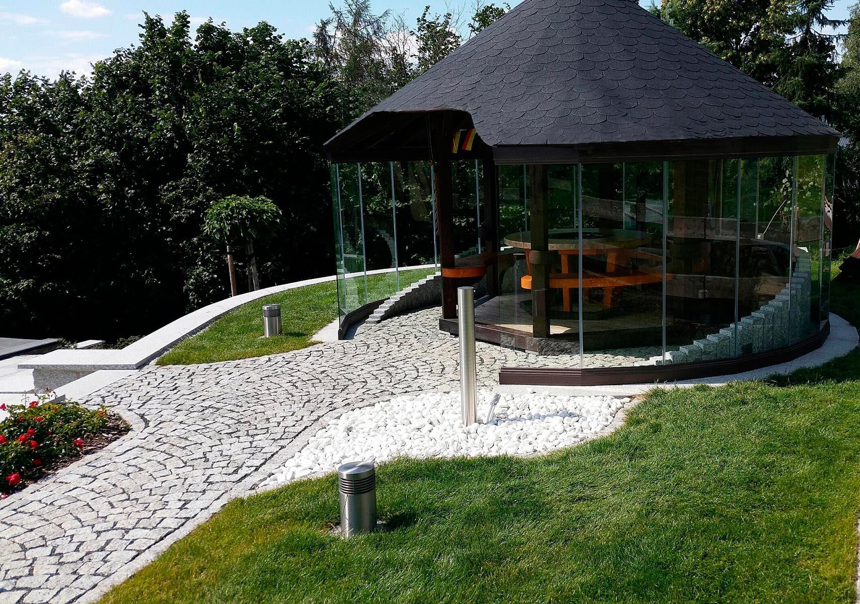 Cortina de cristal en jardín Alemania