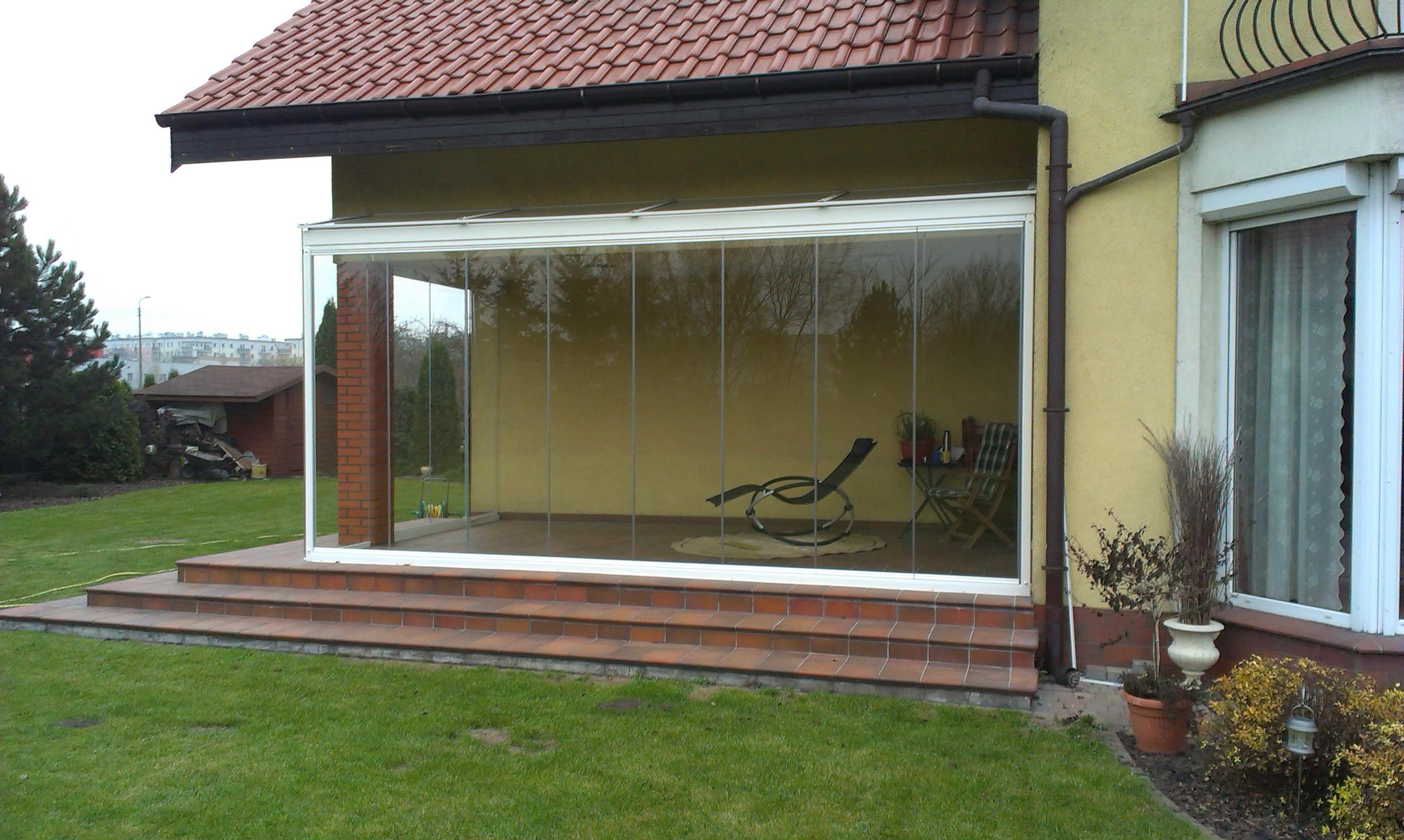 Cerramiento de cristal para porche en Poznan