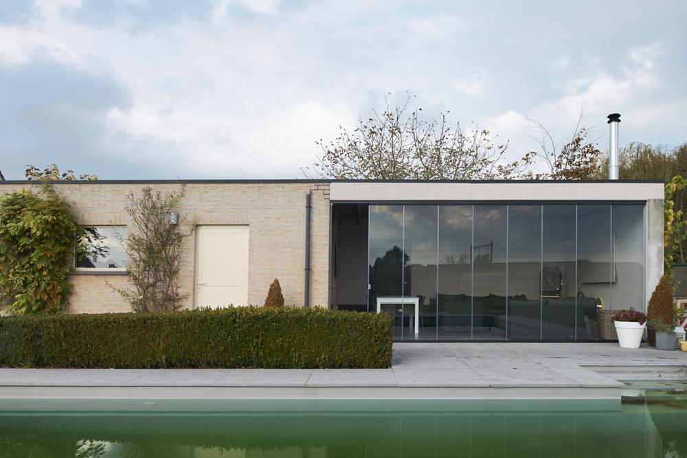 Cortinas de cristal en porche de Bélgica