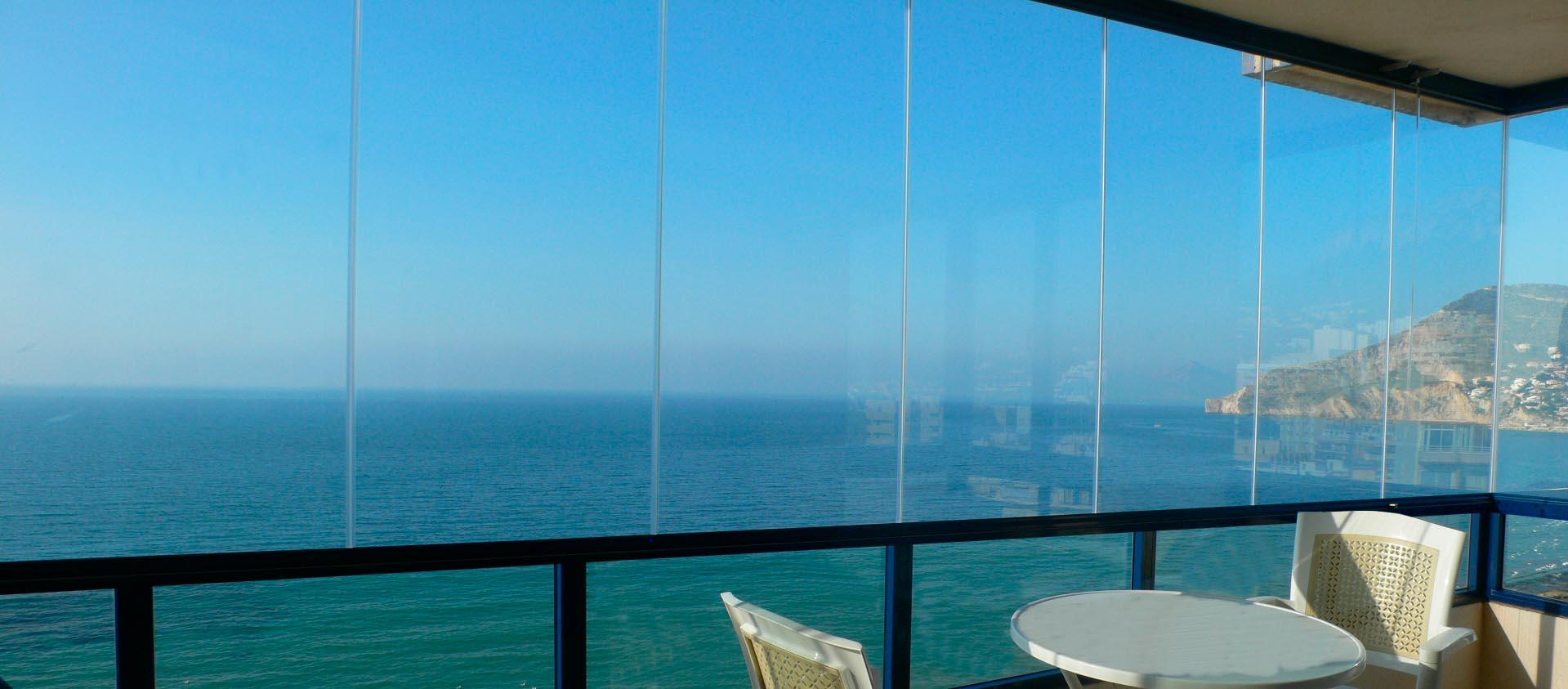 vetrata panoramica al mare