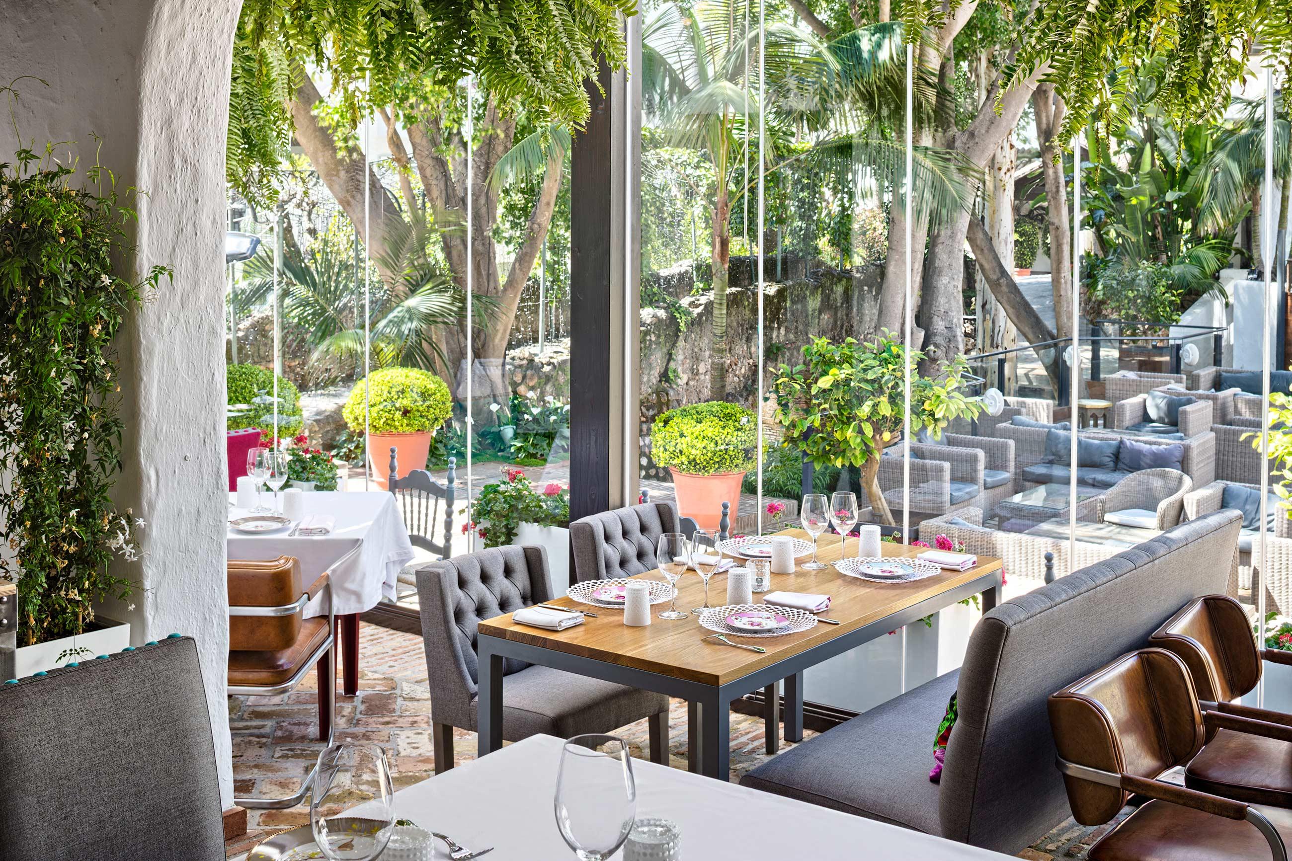 Cortinas de cristal en restaurante en Marbella