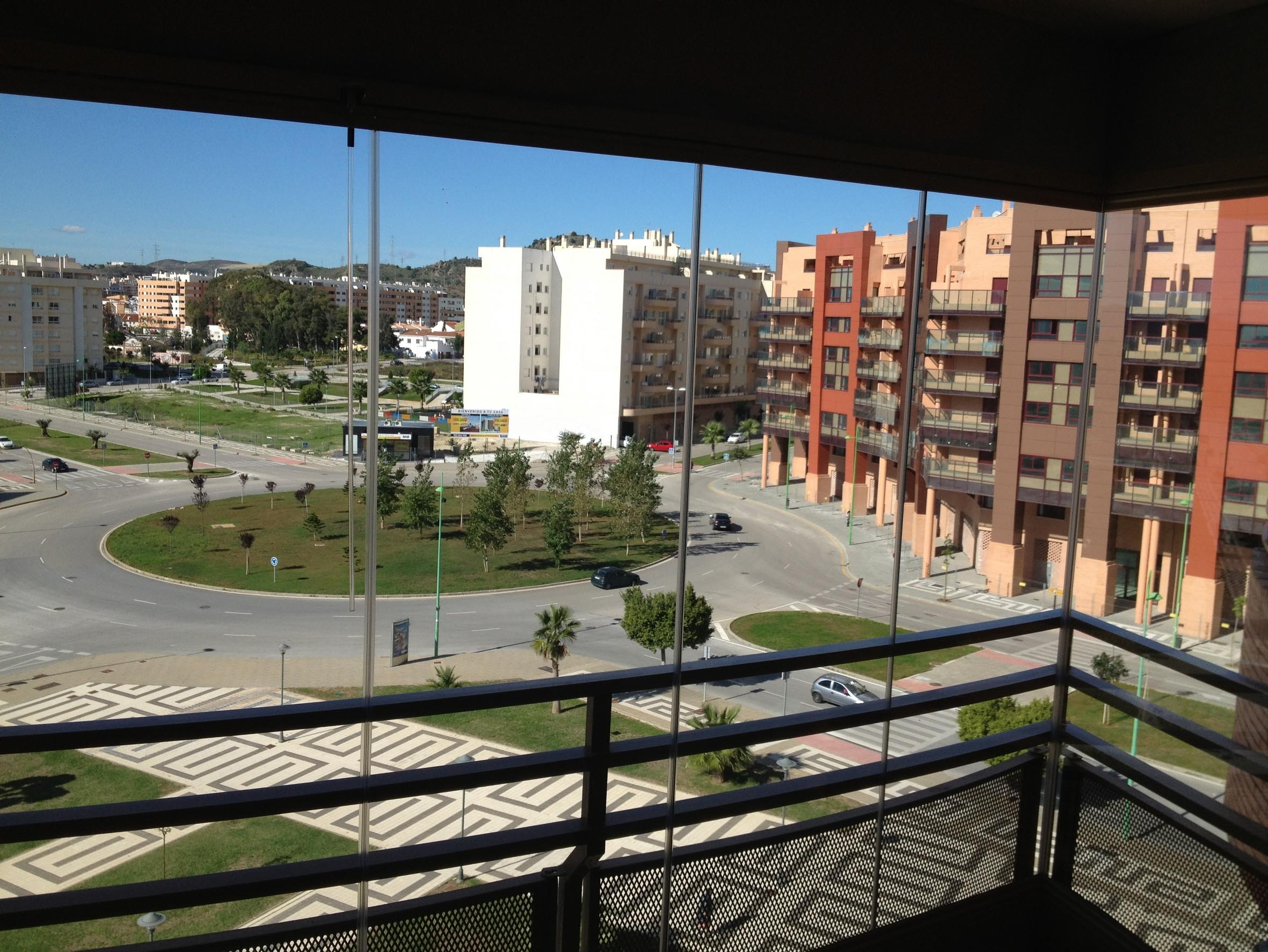 Cortina de Cristal en Málaga Teatinos